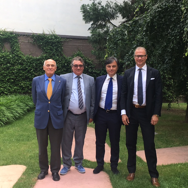 Dr. Aldo Romanini (Segretario Generale Assimpresa), Dr. Antonio Fortuna (Presidente Assimpresa), Dr. Francesco Tonini (Managing Director Tonini Finance) e Paolo Righetto (Partner Ufficiale Tonini Finance)